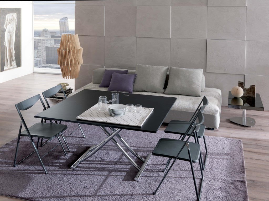 Revo dining table