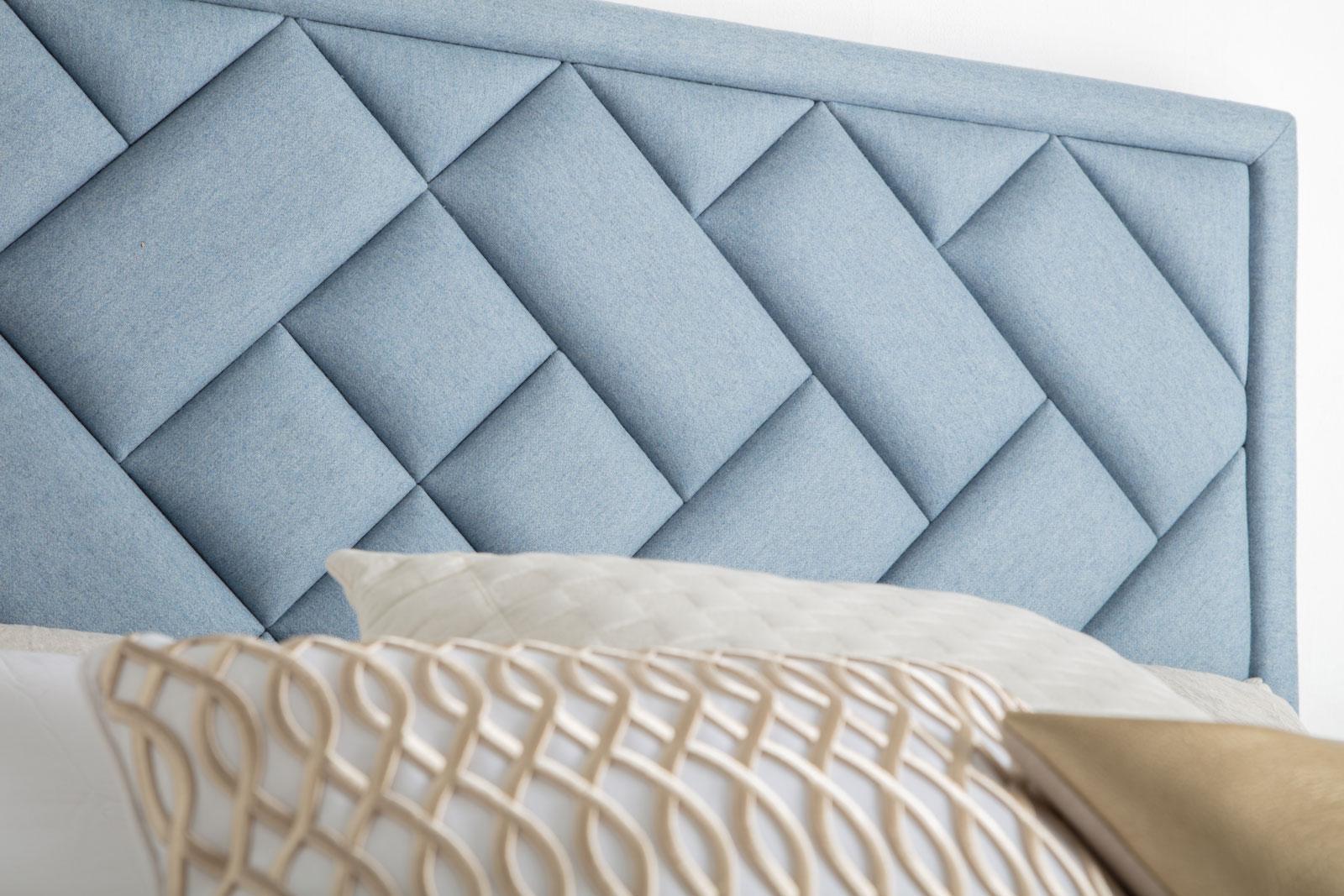 Feng Shui Bedroom, Feng Shui Bedroom Tips, Feng Shui, Feng Shui Home, Feng Shui Design, Interior Design, Bedroom, Bedroom Layout