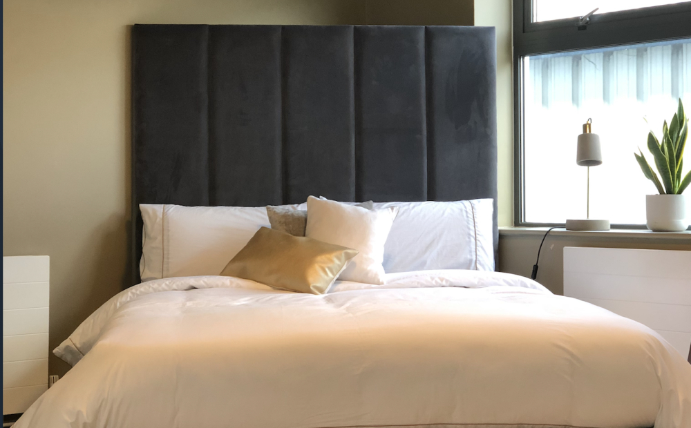 King size Illusion, Omega Slate, Custom Lines Headboard Black Feet