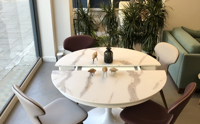 Extending Table to seat 4 / 6  Marble Glass