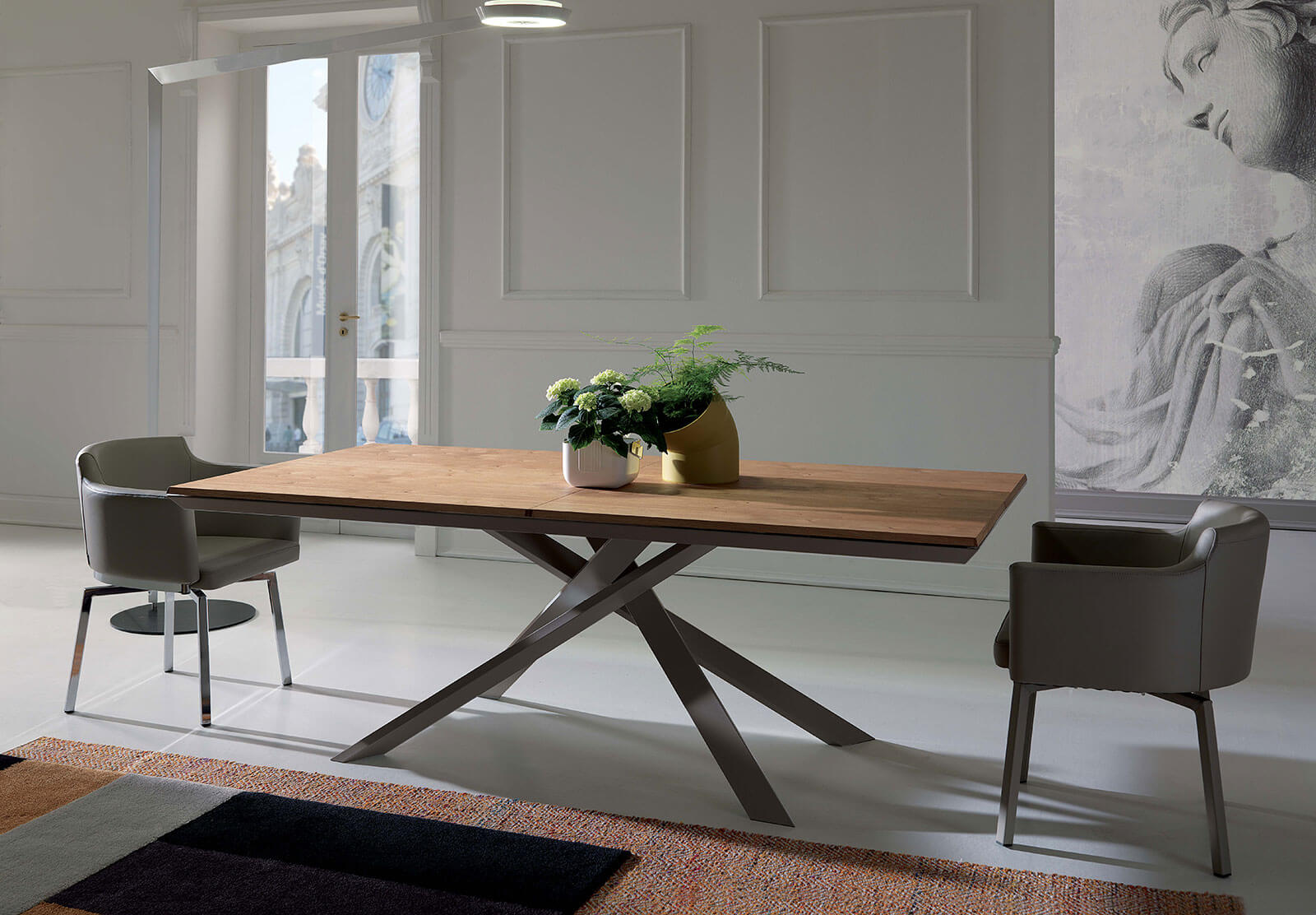 4x4 X Amazing. An Extending Dining Table